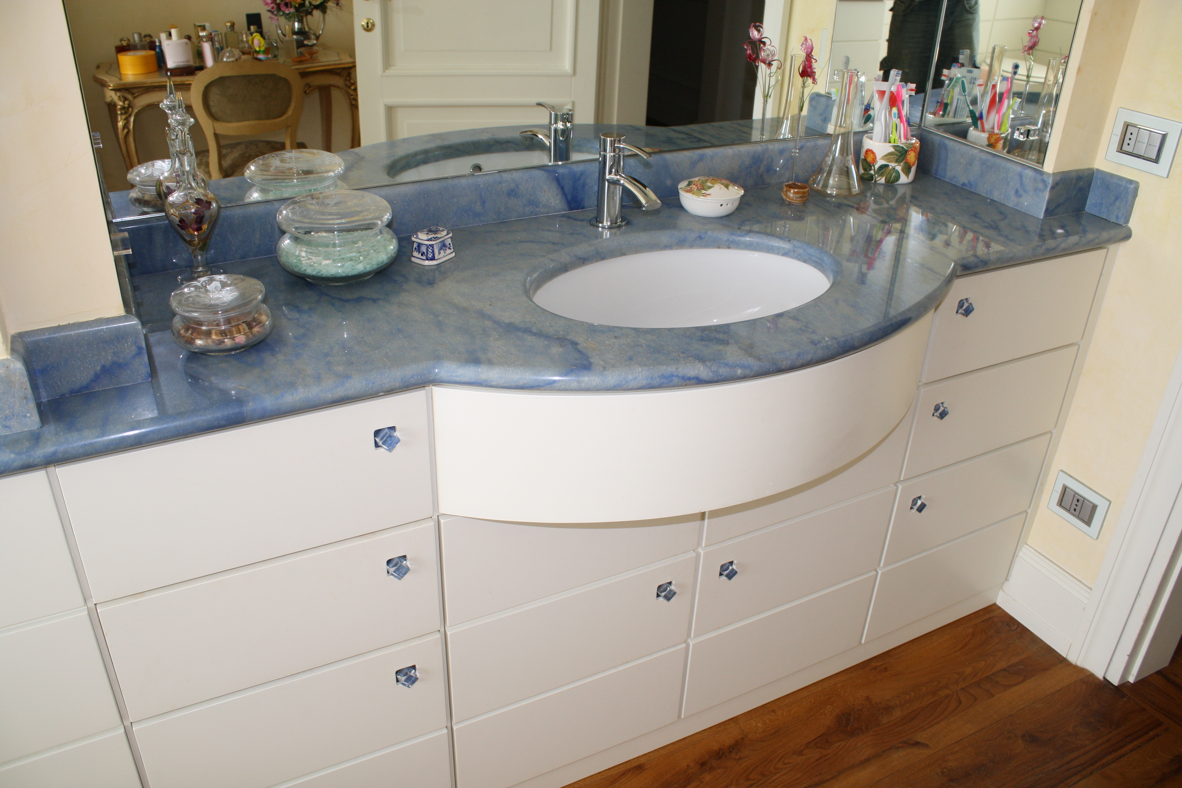 Bagni In Marmo Immagini : Portfolio bagni in marmo e pietra su misura valtiberina marmi